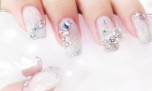 simple bride nail with fine diamond