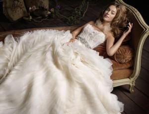 retro feeling wedding dress