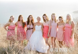 bride and her bridesmaid group who wear pink bridesmaid dress