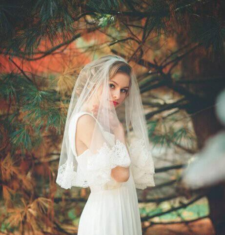 The middle length wedding veil