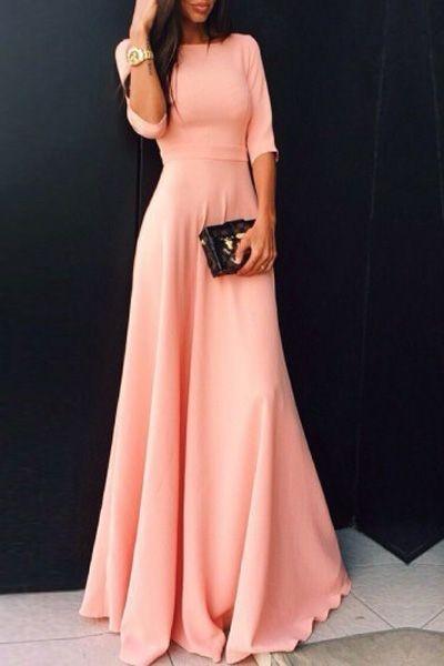 abito-rosa-con-clutch