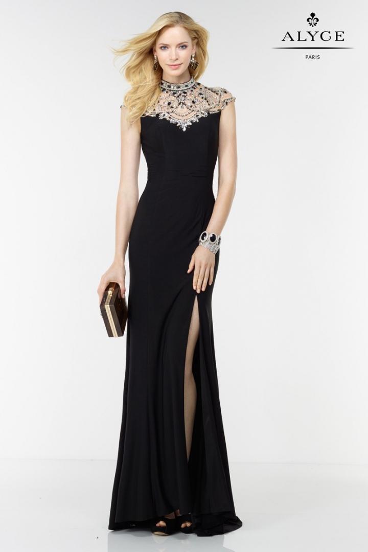 vestido-de-noche-con-abertura-en-la-falda-y-escote-de-fantas-97345
