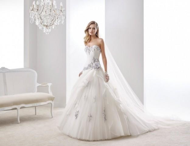 precioso-vestido-con-detalles-de-colores