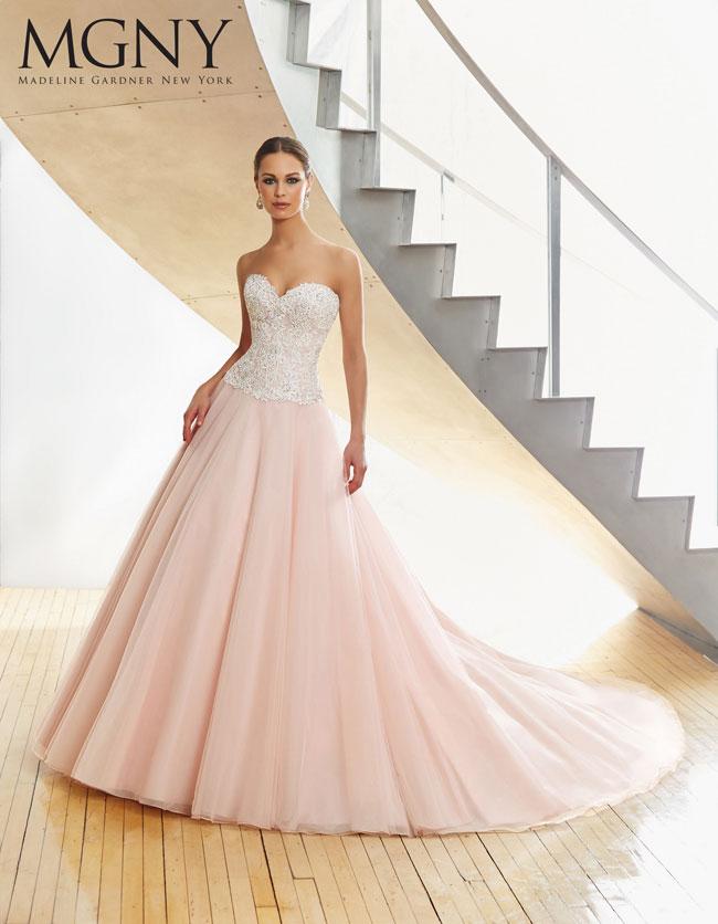 Abito-da-sposa-2016-gonna-tulle-rosa-corpetto-scollo-a-cuore-Madeline-Gardner-New-York