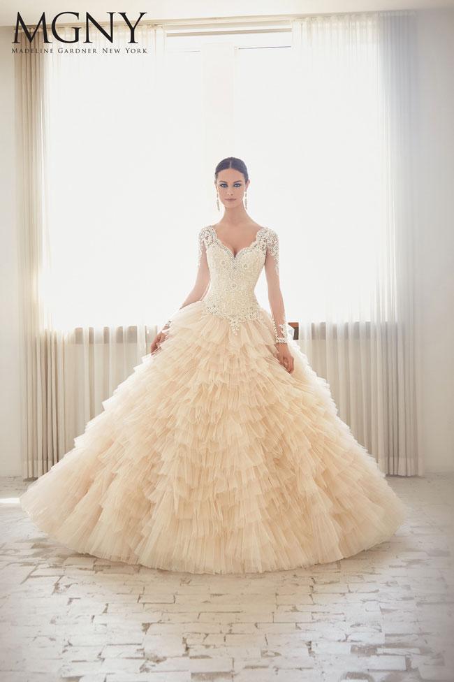 Madeline-Gardner-New-York-sposa-2016-Abito-nuziale-principesco