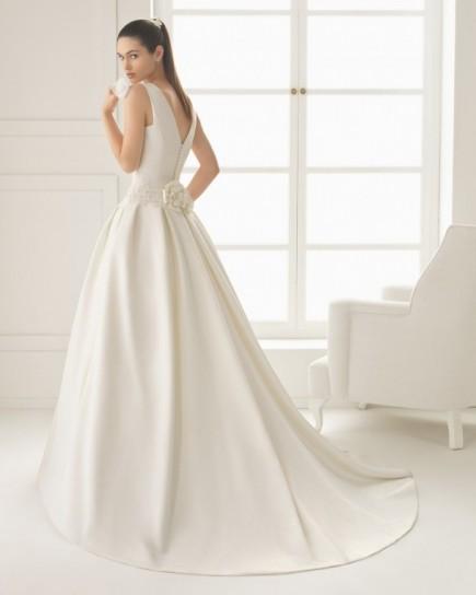 vestido-blanco-en-mikado-de-coleccion-two-by-rosa-clara